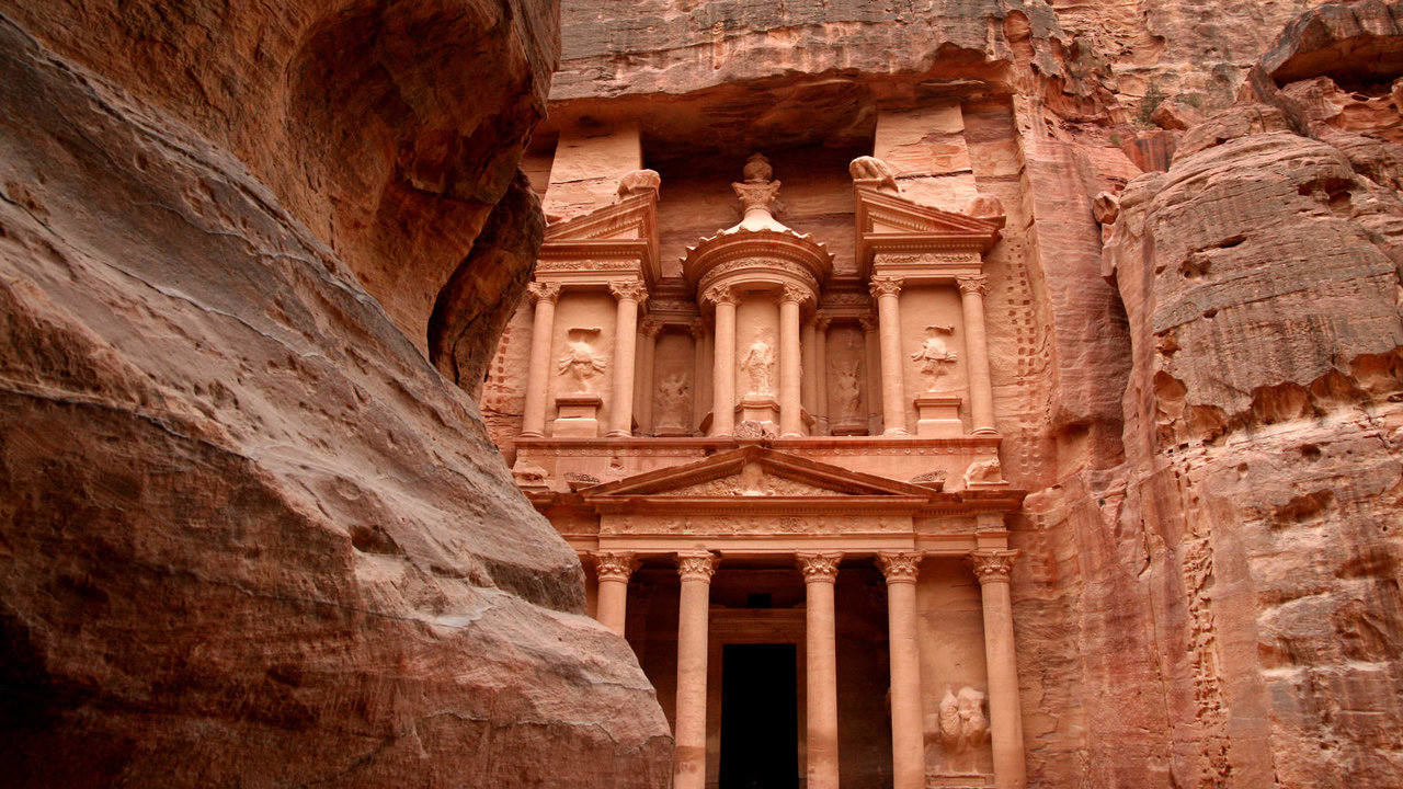 18 Tour package to Petra